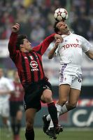 Milano 12-12-2004<br /> <br /> Campionato di calcio Serie A 2004-05<br /> <br /> Milan Fiorentina<br /> <br /> nella  foto Hernan Crespo Milan and  Daniele Delli Carri Fiorentina<br /> <br /> Foto Snapshot / Graffiti