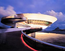 Rio de Janeiro, RJ, Brasil..Museu de Arte Contemporanea de Niteroi, obra do arquiteto Oscar Niemeyer, situado no Mirante de Boa Viagem em Niteroi. / The Contemporary Museum of Art in Niteroi designed by Oscar Niemeyer, Rio de Janeiro...Foto ©Cesar Duarte/Argosfoto