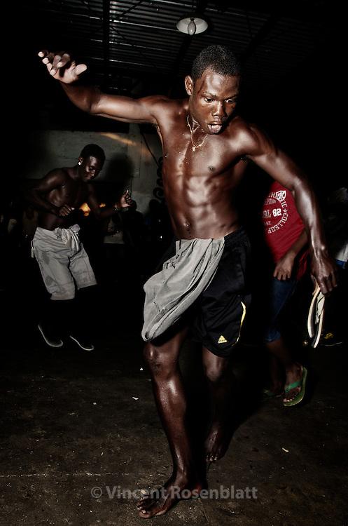 Re-birth of the Baile Funk of the favela Cantaglo in Ipanema, despite the imposed end at 2h20 am by the UPP (Pacification Police Unite //  Renascimento do famoso Baile do PPG (Pavão - Pavãozinho - Cantagalo) em Ipanema - evento marcante no morro apesar do toque de recolher e final do Baile as 2h20 da manhã imposto pela UPP.