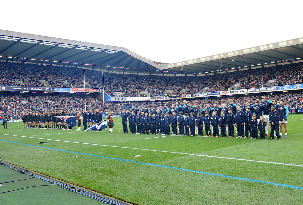 Two minutes silence to remember the fallen in wars past and present before the rugby union test between New Zealand and Scotland at Murrayfield Stadium, Edinburgh, Scotland. Sunday, November 11, 2012. Credit:SNPA / Ian Jacobs