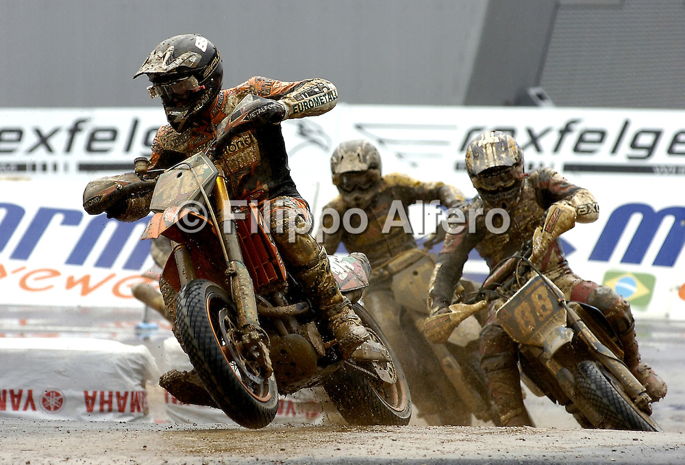 &copy; Filippo Alfero<br /> Torino, 26-05-2007<br /> Sport Supermoto<br /> Magic For Fun - Campionato del Mondo SuperMoto - Gran Premio d'Italia<br /> nella foto: S2 - gara1<br /> &copy; Filippo Alfero<br /> Turin, Italy - 26-05-2007<br /> Magic For Fun - World Championship Supermoto - Grand Prix of Italy<br /> in the photo: S2 - race1