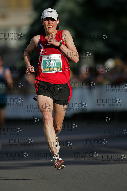 (Ottawa, ON --- May 29, 2010) KRISTINA RODY running in the 10km race during the Ottawa Race Weekend. Photograph copyright Sean Burges / Mundo Sport Images