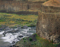 Palouse River cutting through layers of Columbia Plateau Basalt, Washington USA