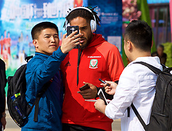 NANNING, CHINA - Thursday, March 22, 2018: Wales' captain Ashley Williams meets supporters during a team walk near the Wanda Realm Resort ahead of the 2018 Gree China Cup International Football Championship. (Pic by David Rawcliffe/Propaganda)