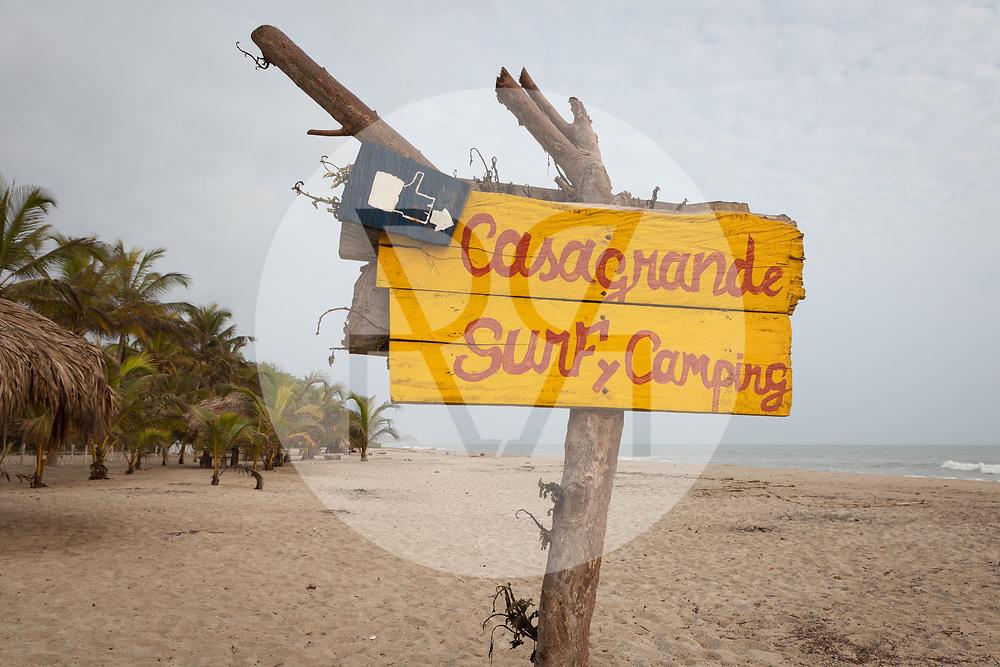 KOLUMBIEN - LA POZA - Schild 'CasaGrande Surf y Camping' - 14. April 2014 © Raphael Hünerfauth - http://huenerfauth.ch