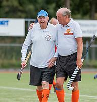 WAGENINGEN - Oudste lid, Jan Vis (90) met Peter Lammers (r) . lustrum 2019,  60+ hockey, 30jaar.   met wedstrijden en andere festiviteiten.   COPYRIGHT KOEN SUYK