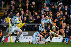 Wasps Outside Centre (#13) Elliot Daly fumbles a pass down the wing during the second half of the match - Photo mandatory by-line: Rogan Thomson/JMP - Tel: Mobile: 07966 386802 25/11/2012 - SPORT - RUGBY - Adams Park - High Wycombe. London Wasps v Leicester Tigers - Aviva Premiership.