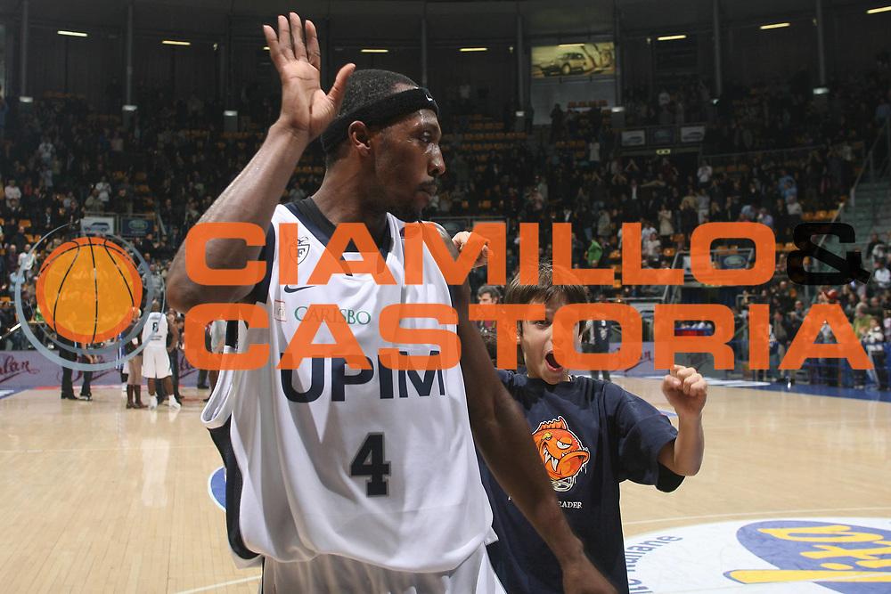 DESCRIZIONE : Bologna Lega A1 2007-08 Upim Fortitudo Bologna Pierrel Capo D'Orlando <br /> GIOCATORE : Horace Jenkins<br /> SQUADRA : Upim Fortitudo Bologna <br /> EVENTO : Campionato Lega A1 2007-2008 <br /> GARA : Upim Fortitudo Bologna Pierrel Capo D'Orlando  <br /> DATA : 24/11/2007 <br /> CATEGORIA : Esultanza<br /> SPORT : Pallacanestro <br /> AUTORE : Agenzia Ciamillo-Castoria/M.Marchi