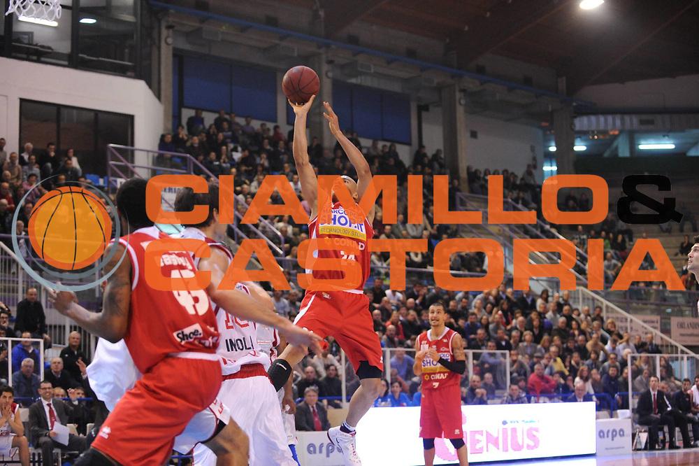 DESCRIZIONE : Faenza Lega Basket A2 2011-12 Aget Imola Marcopoloshop.it Forli<br /> GIOCATORE : Shawn Huff<br /> CATEGORIA : <br /> SQUADRA : Marcopoloshop.it Forli<br /> EVENTO : Campionato Lega A2 2011-2012<br /> GARA : Aget Imola Marcopoloshop.it Forli<br /> DATA : 27/11/2011<br /> SPORT : Pallacanestro<br /> AUTORE : Agenzia Ciamillo-Castoria/M.Marchi<br /> Galleria : Lega Basket A2 2011-2012 <br /> Fotonotizia : Faenza Lega Basket A2 2011-12 Aget Imola Marcopoloshop.it Forli<br /> Predefinita :