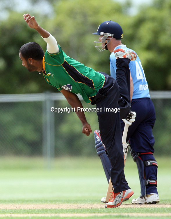 Tarun Nethula bowls. Auckland Aces v Central Stags, One Day Cricket. Colin Maiden Park, Auckland, Wednesday 19 January 2011. Photo: Ella Brockelsby/photosport.co.nz