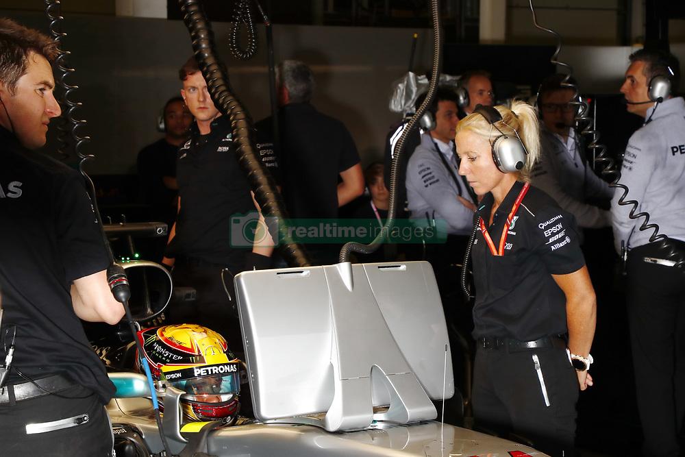 July 15, 2017 - Silverstone, Great Britain - Motorsports: FIA Formula One World Championship 2017, Grand Prix of Great Britain, ..#44 Lewis Hamilton (GBR, Mercedes AMG Petronas F1 Team) (Credit Image: © Hoch Zwei via ZUMA Wire)