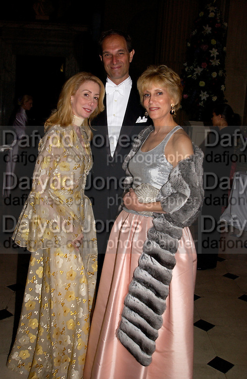 Sharon Handler, Ellery and Marjorie Gordon, Ball at Blenheim Palace in aid of the Red Cross, Woodstock, 26 June 2004. SUPPLIED FOR ONE-TIME USE ONLY-DO NOT ARCHIVE. © Copyright Photograph by Dafydd Jones 66 Stockwell Park Rd. London SW9 0DA Tel 020 7733 0108 www.dafjones.com