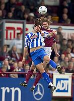 Fotball<br /> Skottland 2004/2005<br /> Foto: SBI/Digitalsport<br /> NORWAY ONLY<br /> <br /> Hearts v Kilmarnock, Scottish Cup fourth round, Tynecastle Park, Edinburgh. 05/02/2005<br /> <br /> Danny Invincible and Steven Pressley battle for possession