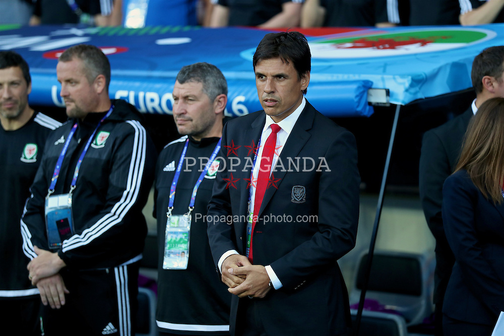 TOULOUSE, FRANCE - Monday, June 20, 2016: Wales' manager Chris Coleman and assistant manager Osian Roberts before the final Group B UEFA Euro 2016 Championship match against Russia at Stadium de Toulouse. (Pic by David Rawcliffe/Propaganda)