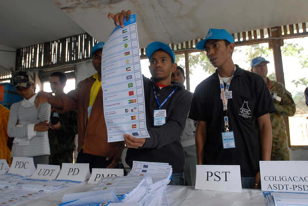 Counting votes Timor-Leste Parliamentary Elections.