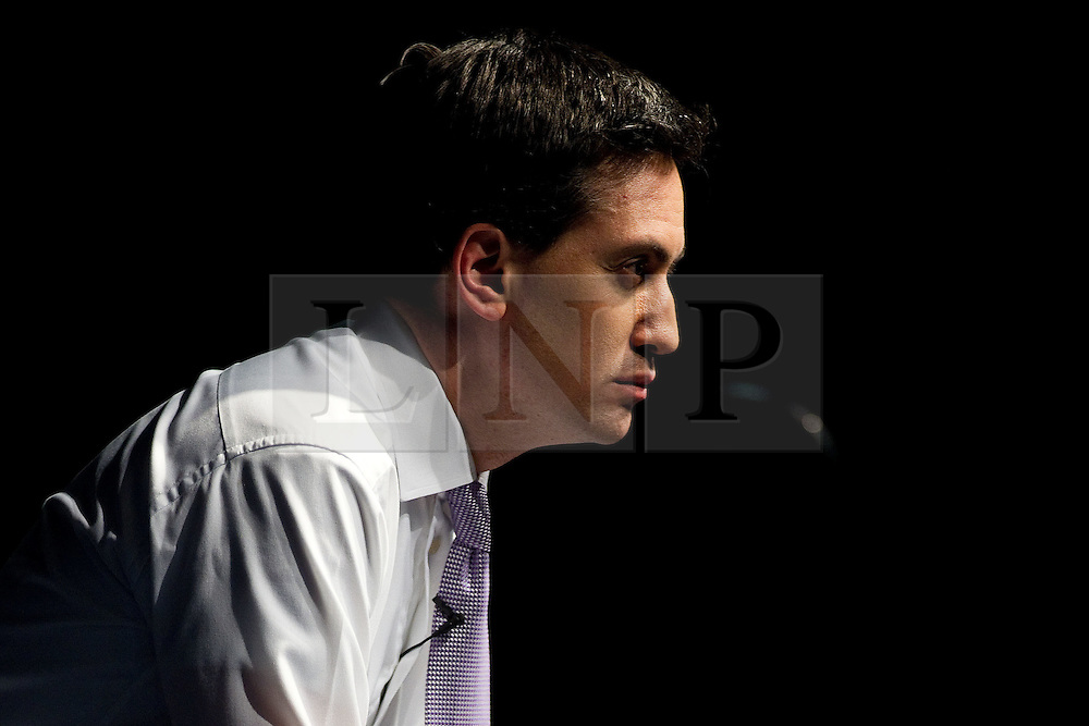 """© licensed to London News Pictures. Sheffield, UK  09/02/2012. Ed Miliband delivers a speech to students and visitors on the """"Sustainable Recovery"""" at Sheffield University. Photo credit should read Joel Goodman/LNP"""