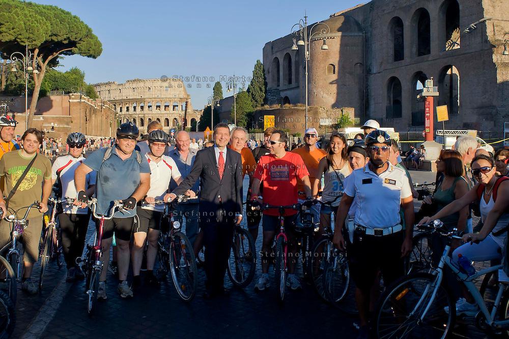 Roma 3 Agosto 2013<br /> Il sindaco di Roma Ignazio Marino saluta un gruppo di ciclisti prima dell'inugurazione della festa per la  pedonalizzazione dei Fori
