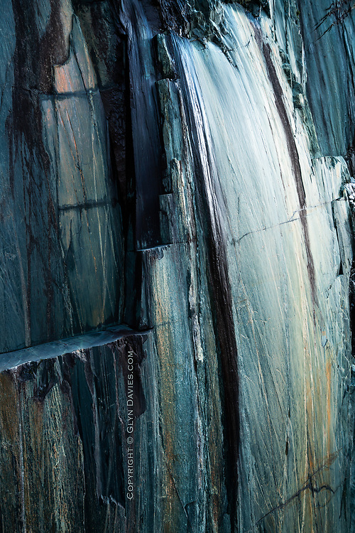 Unbelievably beautiful shapes, colours and textures in a cliff of slate in the Llanberis slate quarries. It was more reminiscent of an oil painting than a disused quarry face.