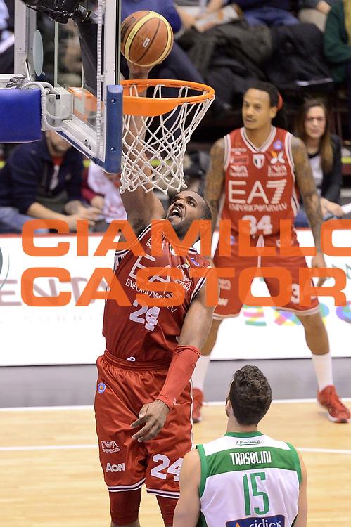 DESCRIZIONE : Milano Lega A 2014-15 EA7 Emporio Armani Milano vs Sidigas Avellino<br /> GIOCATORE : Samardo Samuels<br /> CATEGORIA : Tiro<br /> SQUADRA : EA7 Emporio Armani Milano<br /> EVENTO : Campionato Lega A 2014-2015<br /> GARA : EA7 Emporio Armani Milano Sidigas Avellino<br /> DATA : 16/02/2015<br /> SPORT : Pallacanestro <br /> AUTORE : Agenzia Ciamillo-Castoria/I.Mancini<br /> Galleria : Lega Basket A 2014-2015  <br /> Fotonotizia : Milano Lega A 2014-2015 EA7 Emporio Armani Milano Sidigas Avellino<br /> Predefinita :