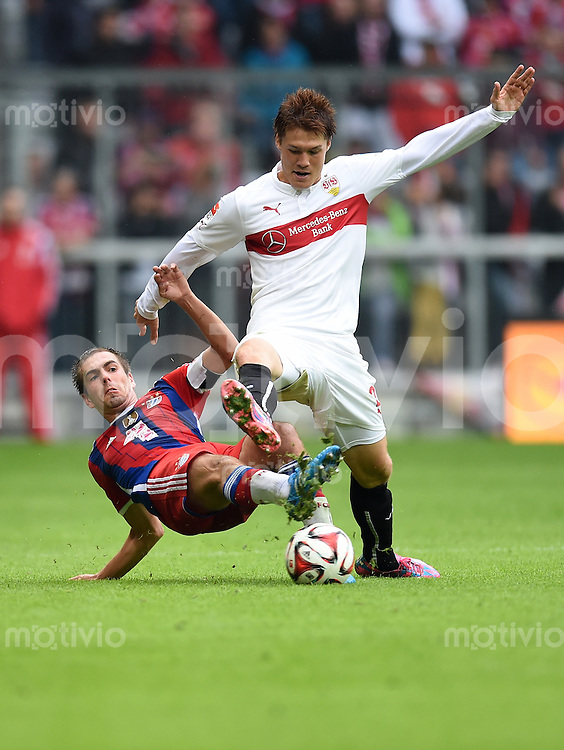 Fussball  1. Bundesliga  Saison 2014/2015   3. SPIELTAG FC Bayern Muenchen - VfB Stuttgart       13.09.2014 Philipp Lahm (li, FC Bayern Muenchen) gegen Gotoku Sakai (VfB Stuttgart)