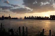 New York. Manhattan panorama cityscape , east river, view from williamsburg Brooklyn  New York  Usa  view  /   Manhattan , East river,  vue depuis  Williamsburg brooklyn  , Brooklyn