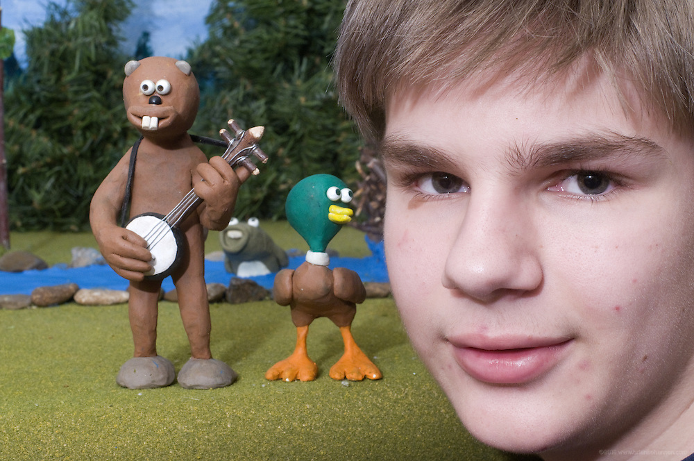 "Ian Timothy, 16, works in his home studio producing the sixth episode of his claymation series ""Beaver Creek"" featuring Twig the beaver and his buddy, Drake the duck, Tuesday, Dec. 7, 2010 in Louisville, Ky. (Photo by Brian Bohannon)"