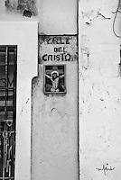 Calle del Cristo sign