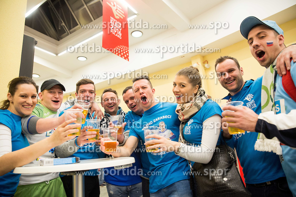 Supporters of Slovenia prior to the handball match between National teams of Slovenia and Spain on Day 4 in Preliminary Round of Men's EHF EURO 2016, on January 18, 2016 in Centennial Hall, Wroclaw, Poland. Photo by Vid Ponikvar / Sportida