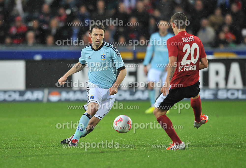10.11.2012, Mage Solar Stadion, Freiburg, GER, 1. FBL, SC Freiburg vs Hamburger SV, 11. Runde, im Bild Max KRUSE (SC Freiburg) stellt sich Milan BADELJ (Hamburger SV) in den Weg // during the German Bundesliga 11th round match between SC Freiburg and Hamburger SV at the Mage Solar Stadium, Freiburg, Germany on 2012/11/10. EXPA Pictures © 2012, PhotoCredit: EXPA/ Eibner/ Aron Willers..***** ATTENTION - OUT OF GER *****