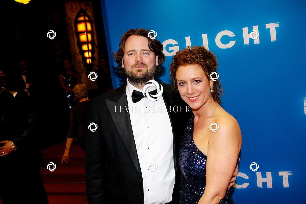 AMSTERDAM - In het Tuschinski Theater is de Nederlandse Triller 'Daglicht' in Premiere gegaan. Met op de foto Diederik van Rooijen en zijn partner. FOTO LEVIN DEN BOER - PERSFOTO.NU