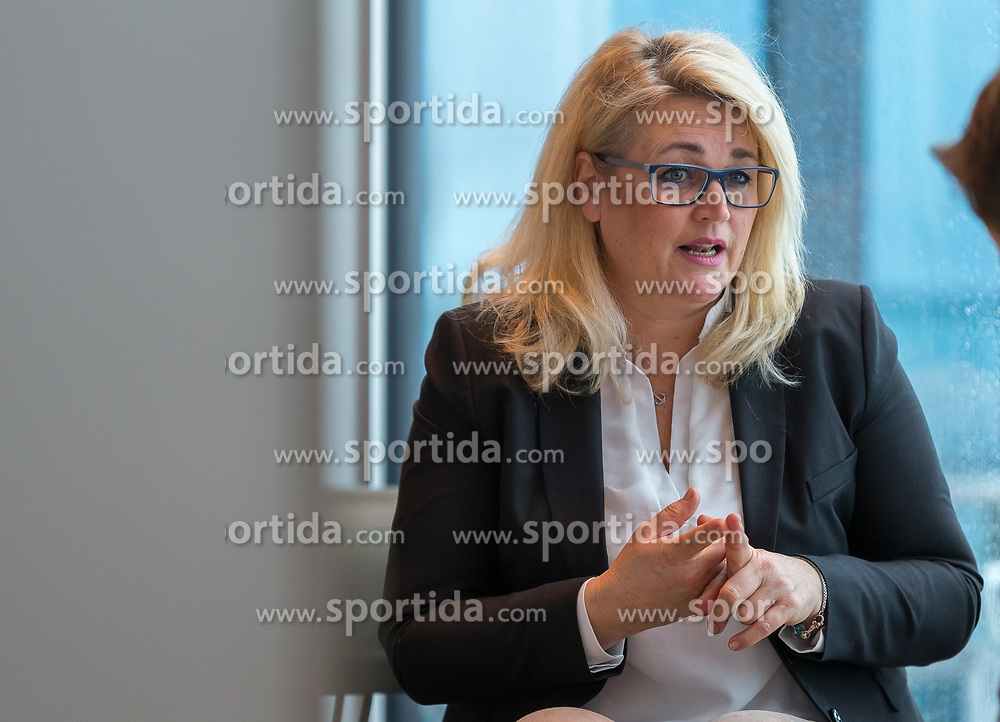 "22.01.2018, Innsbruck, AUT, Interview, Andrea Krumschnabel, im Bild Spitzenkandidatin der neuen ""Family - Die Tiroler Familienpartei"" Andrea Krumschnabel // during a Interview and Photosession of the Tyrolean Family Party in Innsbruck, Austria on 2018/01/22. EXPA Pictures © 2018, PhotoCredit: EXPA/ Jakob Gruber"