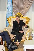 Koningin Máxima is aangekomen in Ethiopië voor een tweedaags werkbezoek voor de Verenigde Naties. Op het internationale vliegveld Bolero in Addis Abeba werd ze verwelkomd door de Nederlandse ambassadeur Bengt van Loosdrecht.