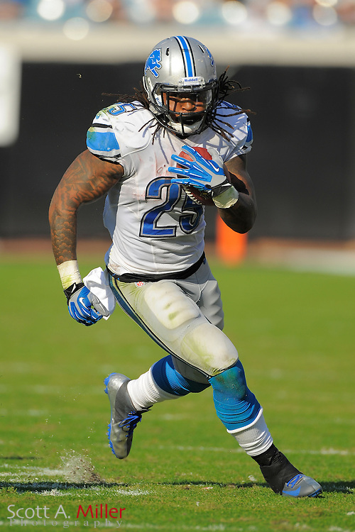 Detroit Lions running back Mikel Leshoure (25) runs up field during his team's 31-14 win over the Jacksonville Jaguars at EverBank Field on November 4, 2012 in Jacksonville, Florida. ..©2012 Scott A. Miller..