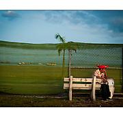 """Autor de la Obra: Aaron Sosa<br /> Título: """"Serie: Carnavales de Panamá<br /> Ciudad de Panamá, Panamá<br /> Año de Creación: 2010<br /> Técnica: Captura digital en RAW impresa en papel 100% algodón Ilford Galeríe Prestige Silk 310gsm<br /> Medidas de la fotografía: 33,3 x 22,3 cms<br /> Medidas del soporte: 45 x 35 cms<br /> Observaciones: Cada obra esta debidamente firmada e identificada con """"grafito – material libre de acidez"""" en la parte posterior. Tanto en la fotografía como en el soporte. La fotografía se fijó al cartón con esquineros libres de ácido para así evitar usar algún pegamento contaminante.<br /> <br /> Precio: Consultar<br /> Envios a nivel nacional  e internacional."""