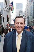Daniel Vasella (59), ehemaliger President des Pharmariesen Novartis, auf der Fifth Avenue in Manhattan, New York, am 13. Maerz 2013, einen Tag nachdem er die Schweiz verlassen hat. Vasella verzichtete nach scharfer oeffentlicher Kritik in der Schweiz auf 72 Millionen Franken Abfindung. .Engl.: Daniel Vasella (59), former president of pharma giant Novartis, on Fifth Avenue in Manhattan, New York, March 13. 2013, one  day after he left Switzerland. Vasella and Novartis canceled a 72 million compensation package for him in the wake of a huge public criticism...© Stefan Falke   www.stefanfalke.com