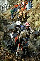 Castelvecchio Pascoli , 100207 , Extremenduro Hellsgate  In jedem Fruehjahr wird in Italien das haerteste Endurorennen der Welt veranstaltet. Es heisst -Hellsgate-.  Im Foto: Gregor BODE (KTM , GER) stuerzt