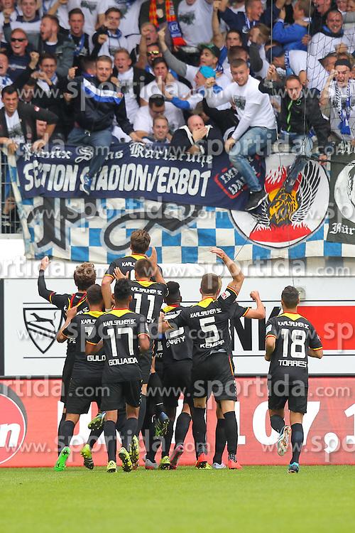 27.09.2015, Voith Arena, Heidenheim, GER, 2. FBL, 1. FC Heidenheim vs Karlsruher SC, 9. Runde, im Bild Die KSC Spieler bei Ihren Fans nach dem 1:1 // during the 2nd German Bundesliga 9th round match between 1. FC Heidenheim and Karlsruher SC at the Voith Arena in Heidenheim, Germany on 2015/09/27. EXPA Pictures &copy; 2015, PhotoCredit: EXPA/ Eibner-Pressefoto/ Langer<br /> <br /> *****ATTENTION - OUT of GER*****