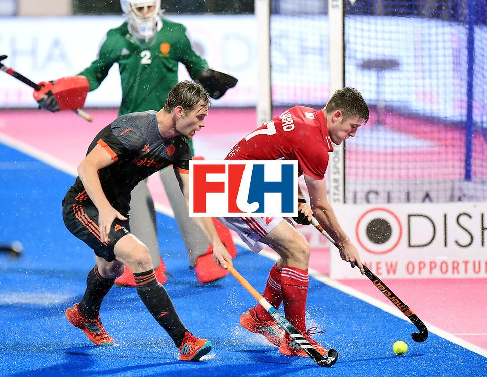 Odisha Men's Hockey World League Final Bhubaneswar 2017<br /> Match id:17<br /> England v Netherlands<br /> Foto: Mirco Pruijser (Ned) and Liam Sanford (Eng) <br /> COPYRIGHT WORLDSPORTPICS FRANK UIJLENBROEK