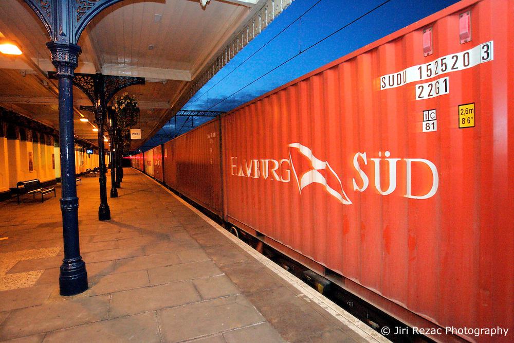 UK ENGLAND LONDON 29MAR06 - Freight train passes through Camden Road station in north London...jre/Photo by Jiri Rezac..© Jiri Rezac 2006..Contact: +44 (0) 7050 110 417.Mobile:  +44 (0) 7801 337 683.Office:  +44 (0) 20 8968 9635..Email:   jiri@jirirezac.com.Web:    www.jirirezac.com..© All images Jiri Rezac 2006 - All rights reserved.
