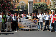 Roma 23 Luglio 2007.Manifestazione  davanti all'Ambasciata del Bangladesh per chiedere la liberazione di  Sheik Hasina leader del  Awami  League  principale partito d'opposizione  ed ex premier arrestata per omicidio e corruzione.   .Rome, July 23, 2007.Demonstration outside the Embassy of Bangladesh to demand the release of Sheik Hasina, leader of main opposition party Awami League and former prime minister arrested for murder and corruption.