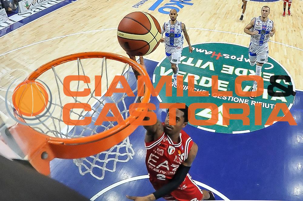 DESCRIZIONE : Campionato 2014/15 Dinamo Banco di Sardegna Sassari - Olimpia EA7 Emporio Armani Milano<br /> GIOCATORE : MarShon Brooks<br /> CATEGORIA : Tiro Penetrazione Sottomano Special<br /> SQUADRA : Olimpia EA7 Emporio Armani Milano<br /> EVENTO : LegaBasket Serie A Beko 2014/2015<br /> GARA : Dinamo Banco di Sardegna Sassari - Olimpia EA7 Emporio Armani Milano<br /> DATA : 07/12/2014<br /> SPORT : Pallacanestro <br /> AUTORE : Agenzia Ciamillo-Castoria / Luigi Canu<br /> Galleria : LegaBasket Serie A Beko 2014/2015<br /> Fotonotizia : Campionato 2014/15 Dinamo Banco di Sardegna Sassari - Olimpia EA7 Emporio Armani Milano<br /> Predefinita :