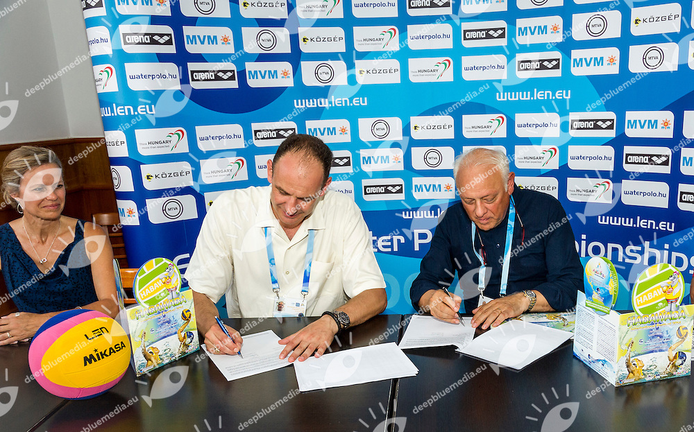 Dragan Jovanovic,  Bartolo Consolo<br /> Signature Habawaba - FINA contract <br /> LEN European Water Polo Championships 2014 - July 14-27<br /> Alfred Hajos -Tamas Szechy Swimming Complex<br /> Margitsziget - Margaret Island<br /> Day08 - July 21<br /> Photo Giorgio Scala/Inside/Deepbluemedia
