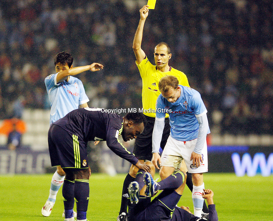 During the 1st leg of a last-16 Copa del Rey soccer match at the Balaídos stadium in Vigo, Spain, Wednesday, Dec. 12, 2012.