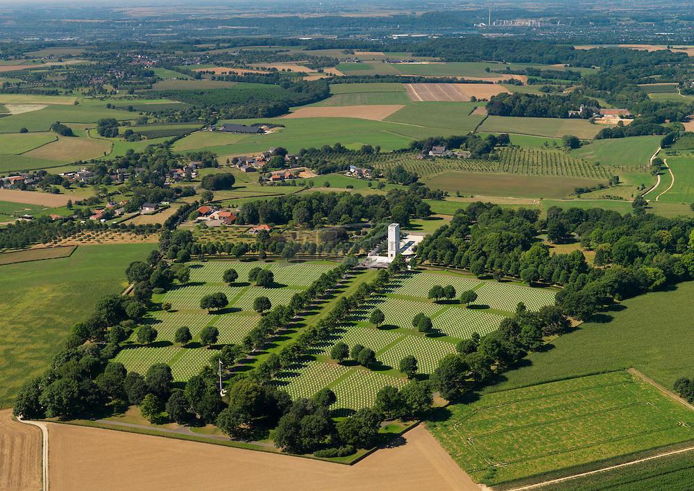 De Amerikaanse begraafplaats  is gelegen tussen de plaatsen Margraten en Cadier en Keer, aan de N278. ER liggen 8302 soldaten begraven in 8301 graven op de  Netherlands American Cemetery and Memorial