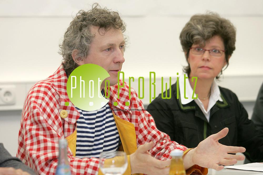 Mannheim. Stadtmarketing veranstaltet eine Pressekonferrenz im Landesmuseum f&uuml;r Technik und Arbeit (LTA). Gr&uuml;ndung des Kindergartenlabor e.V. wird vorgestellt.<br /> <br /> J&ouml;rn Birkhahn, Initiator und Gr&uuml;nder von Kindergartenlabor e.V.<br /> Bild: Markus Pro&szlig;witz <br /> Bilder auch online abrufbar - Neue-/ und Archivbilder. www.masterpress.org