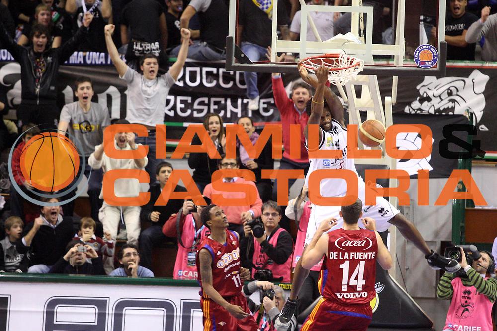 DESCRIZIONE : Ferrara Lega A1 2008-09 Carife Ferrara Lottomatica Virtus Roma<br /> GIOCATORE : Ndudi Ebi<br /> SQUADRA : Carife Ferrara<br /> EVENTO : Campionato Lega A1 2008-2009 <br /> GARA : Carife Ferrara Lottomatica Virtus Roma<br /> DATA : 7/12/2008 <br /> CATEGORIA : Schiacciata<br /> SPORT : Pallacanestro <br /> AUTORE : Agenzia Ciamillo-Castoria/G.Ciamillo