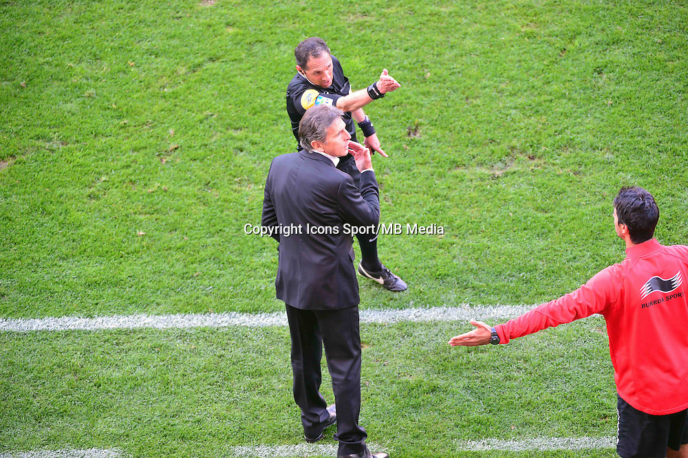 Expulsion de Claude PUEL / Mikael LESAGE  - 12.04.2015 - Reims / Nice - 32eme journee de Ligue 1 <br />
