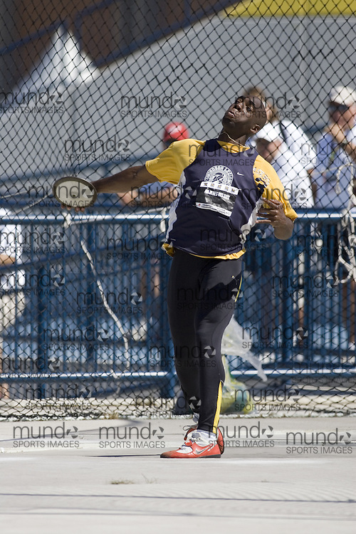 13 July 2007 (Windsor--Canada) -- The 2007 Canadian National Track and Field Championships... Jamie Adjetey-Nelson competing in the decathlon discus.