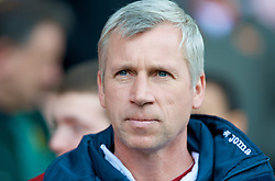 SHEFFIELD, ENGLAND - Saturday, March 1, 2008: Charlton Athletic's manager Alan Pardew during the League Championship match against Sheffield United at Bramall Lane. (Photo by David Rawcliffe/Propaganda)