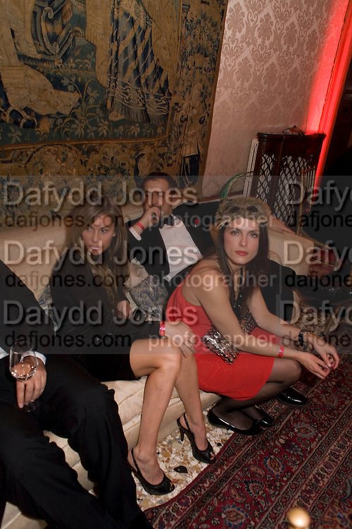 JOYCE MERCEDES; DOROTHY BANY; , Francesca Bortolotto Possati, Alessandro and Olimpia host Carnevale 2009. Venetian Red Passion. Palazzo Mocenigo. Venice. February 14 2009.  *** Local Caption *** -DO NOT ARCHIVE -Copyright Photograph by Dafydd Jones. 248 Clapham Rd. London SW9 0PZ. Tel 0207 820 0771. www.dafjones.com<br /> JOYCE MERCEDES; DOROTHY BANY; , Francesca Bortolotto Possati, Alessandro and Olimpia host Carnevale 2009. Venetian Red Passion. Palazzo Mocenigo. Venice. February 14 2009.